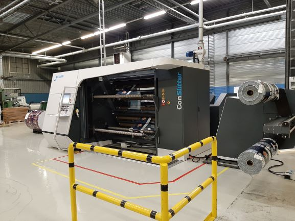 Today we're shining a spotlight on our new Kampf (packaging slitting) machine!
